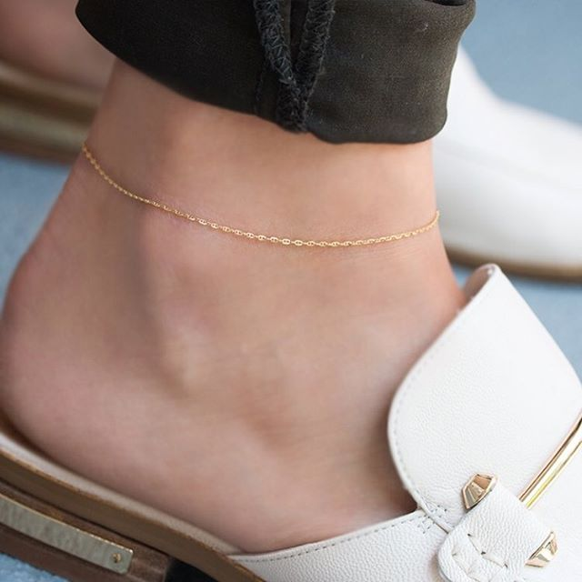 a dainty diamond cut gold anklet chain. available at www rxkgufp