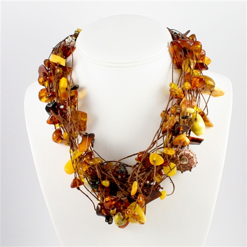 amber necklace bozena przytocka is a designer of artistic amber jewelry based in gdansk,  poland. here BSEHGYF