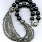 Pathway to follow when choosing the best beads jewelry designs