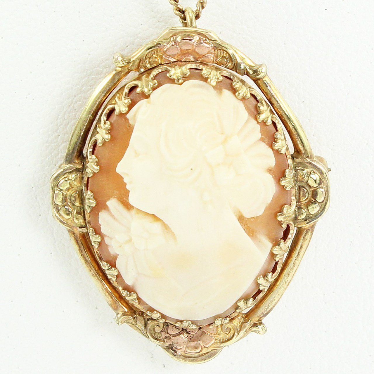 cameo brooch this is an image of the antique carved cameo pendant brooch. ztxzvrk