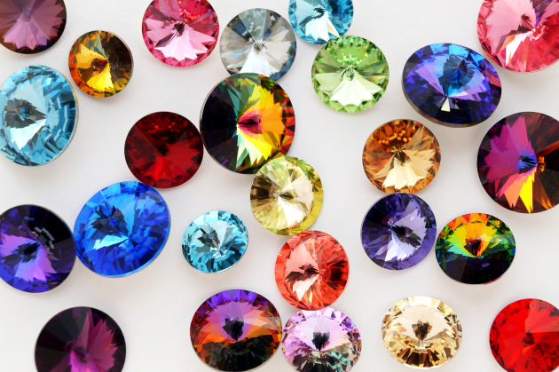 color crazy: why gemstone jewelry is hot uhnsgyp