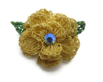 crochet flower brooch - ab rhinestone costume jewelry hktmidr