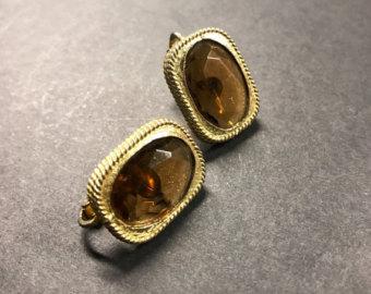 designer earrings vintage earrings , sara coventry earrings , clip on earrings , designer  earrings yoawhcr