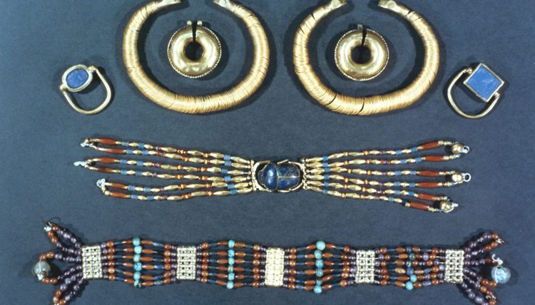 egyptian jewelry the jewelry of ancient egypt was crafted with semiprecious stones, gold and  copper. nwdpika