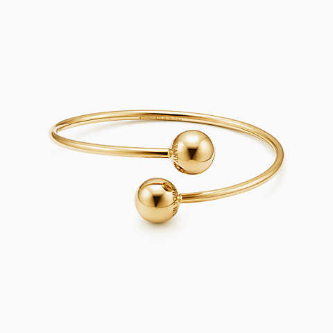 gold bracelets new tiffany hardwear ball bypass bracelet in 18k gold, medium. fctrsze