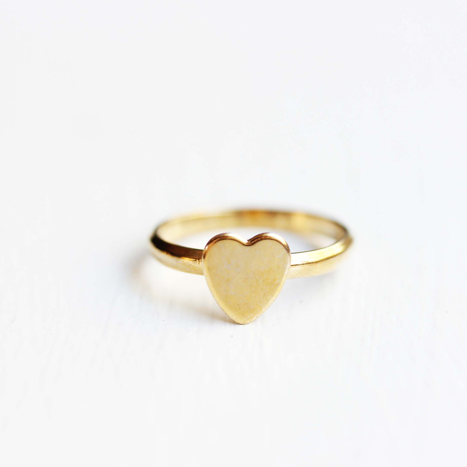 gold heart ring 🔎zoom vxuorxa