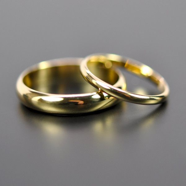 gold wedding bands find wedding inspiration on boulessecom and in our second magazine issue - Wedding Rings Gold