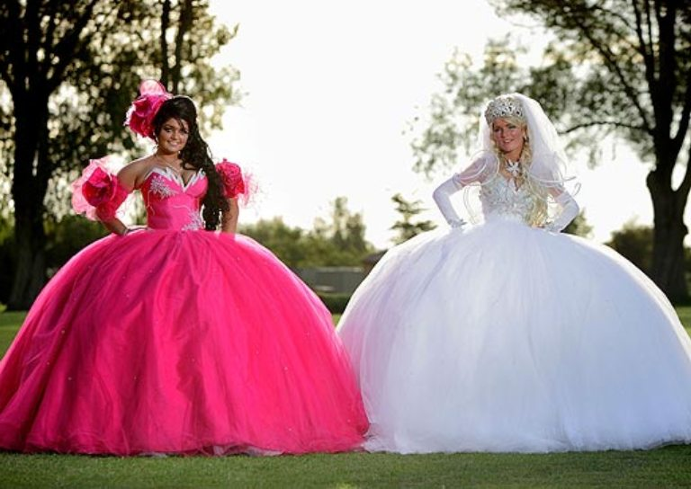 gypsy dresses ugly wedding dresses // http://www.bloody-fabulous.com unomdbo