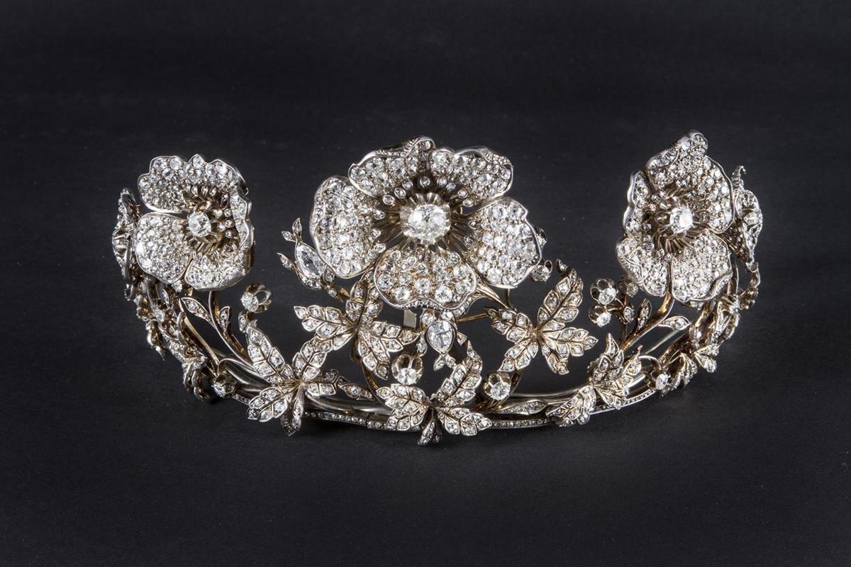 italian jewelry milanu0027s poldi pezzoli museum hosts an exhibition on 20th-century italian  jewelry 1/3 ... hjbjhns