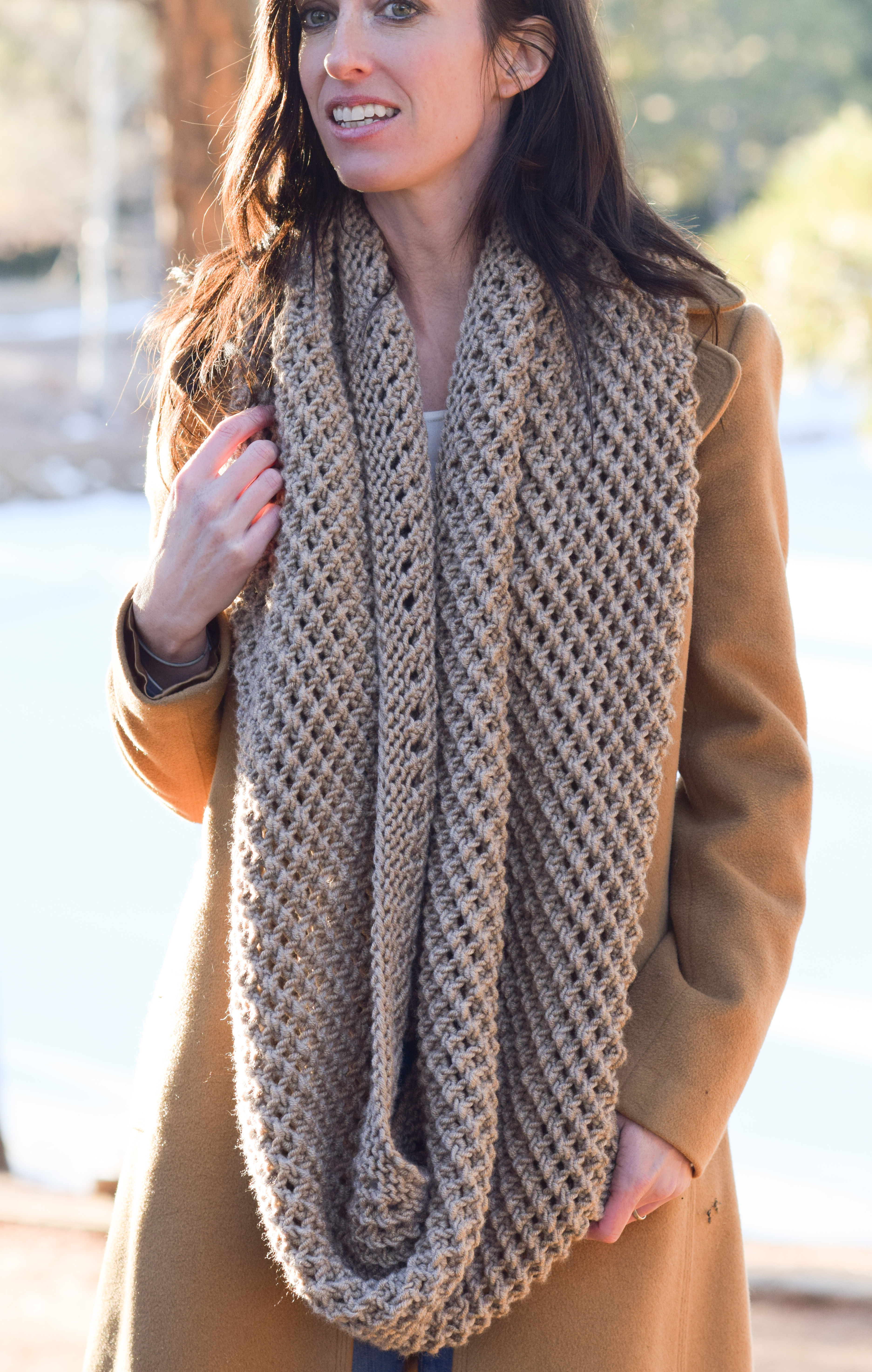 Knitted Scarves: Making You Look Beautiful