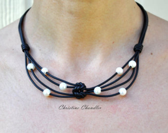 leather necklace - pearl and leather necklace -  aghnayg