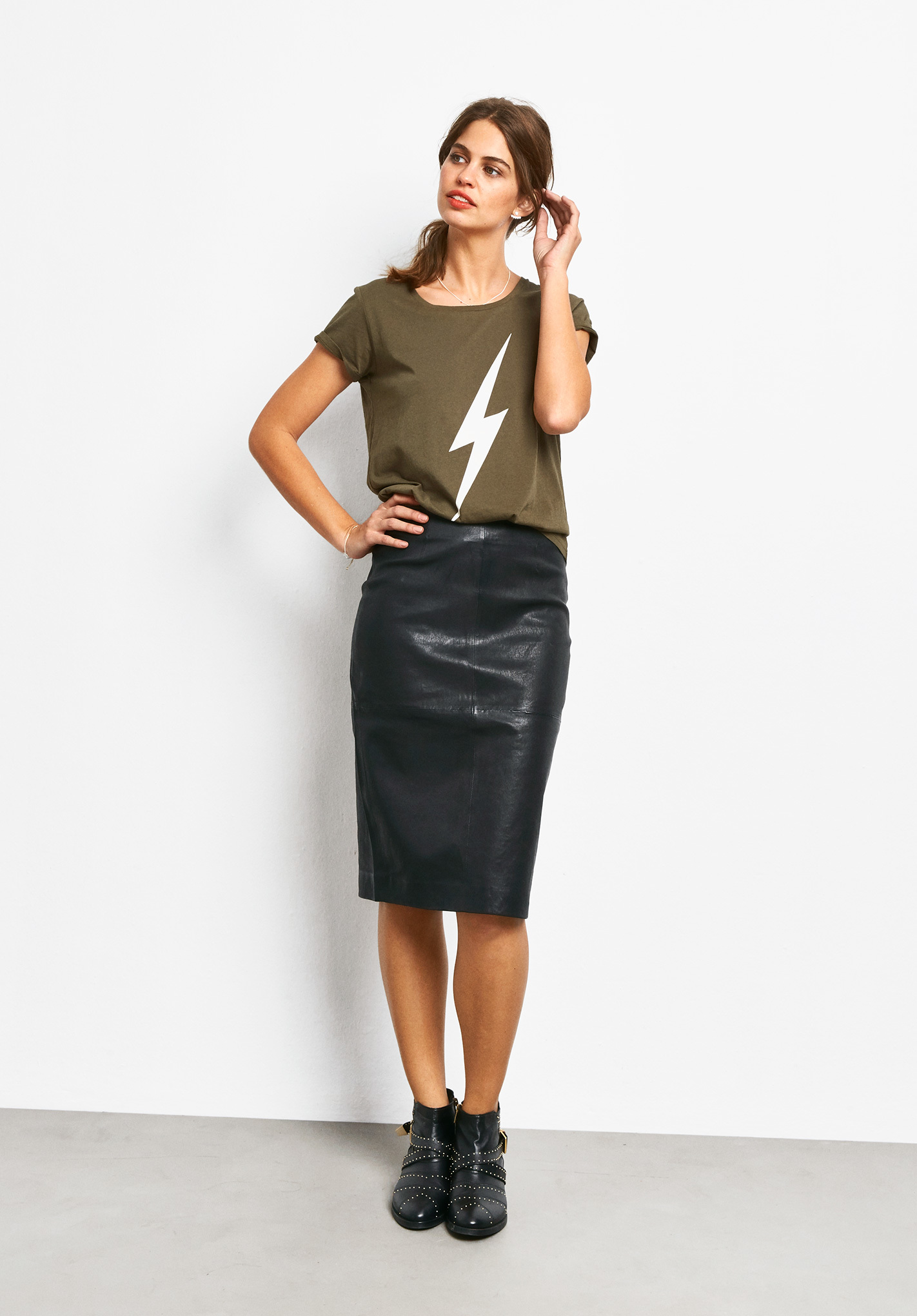 leather pencil skirt versatile lasting and fashionable