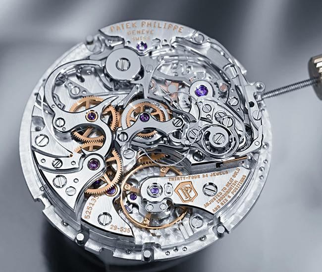 mechanical watch a patek philippe automatic movement mvueunm