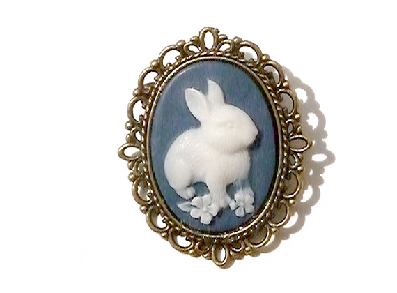 navy blue bunny small cameo brooch gfxnojo
