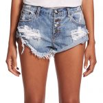 One teaspoon shorts – Looking hot is not only the Rights of Celebs