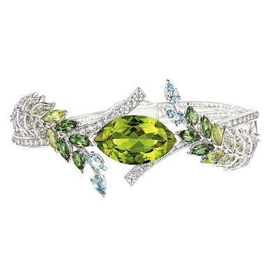 peridot rings chanelu0027s les brins de printemps peridot bracelet puvxuon