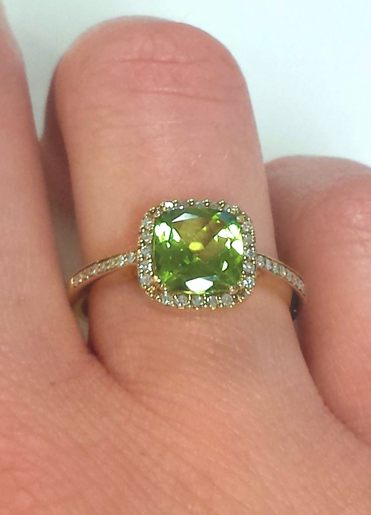 How To Combine Peridot Rings With Other Jewels?