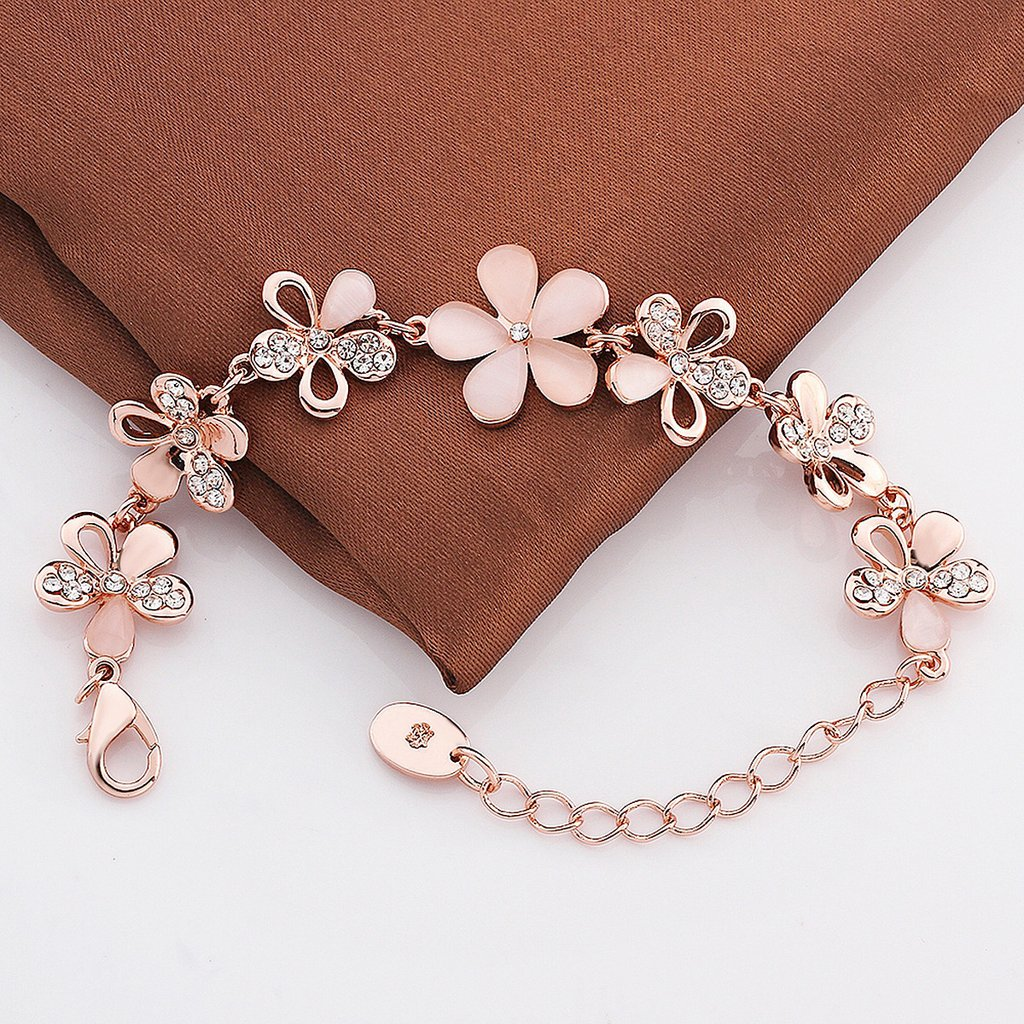 Rose Gold Charm Bracelet and Its Benefits