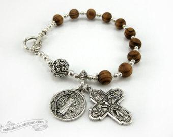 saint benedict medal catholic rosary bracelet, one decade rosary, catholic  jewelry, wood rosaries mtyzigt