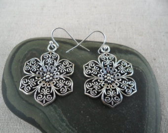 silver flower earrings - gypsy boho chic jewelry - silver filigree earrings  - bohemian mjjdktm