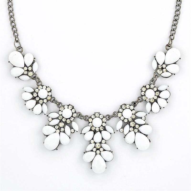 stone bib necklace, white stone bib, bib necklace, white necklace, crystal  necklace uvqfdct