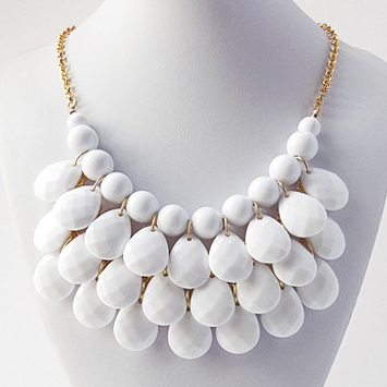 teardrop bib necklace, drop necklace, bead necklace, white necklace, white  teardrop necklace toqdowa