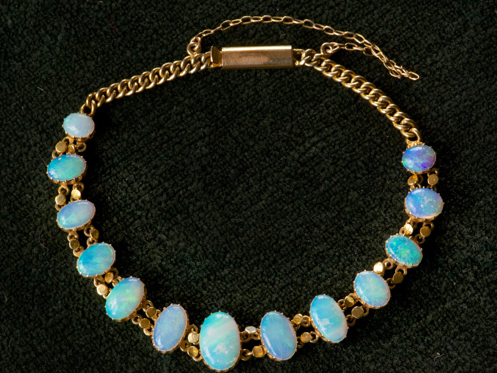 What to look for when buying an opal bracelet