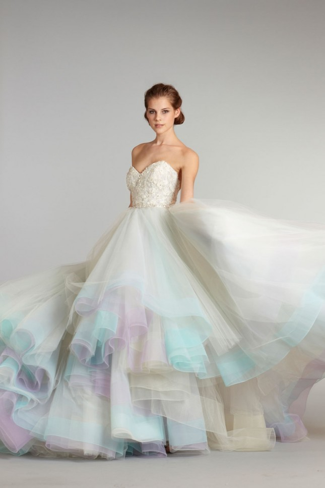 18 colorful wedding dresses for the non-traditional bride senokyc