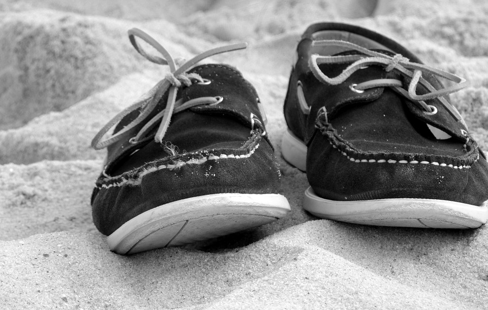 beach shoes, shoes, sand, beach, feet loyrozo
