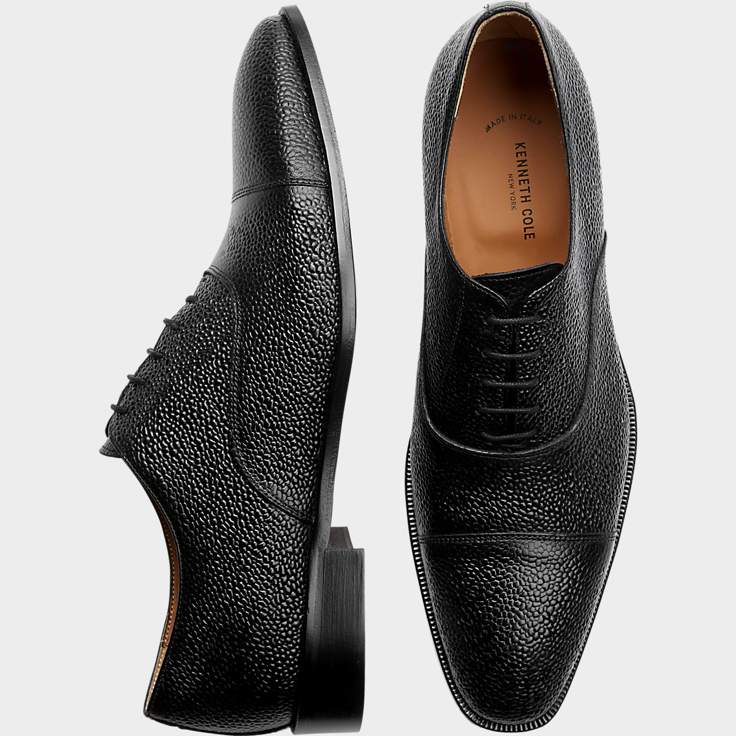 Black shoes – A Colour for everyone