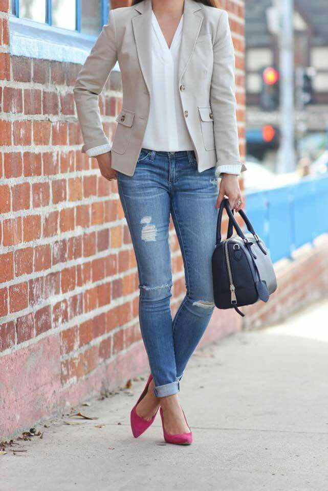 casual outfits a casual look for work a simple pair of rip jeans with a white work- etkrpcr