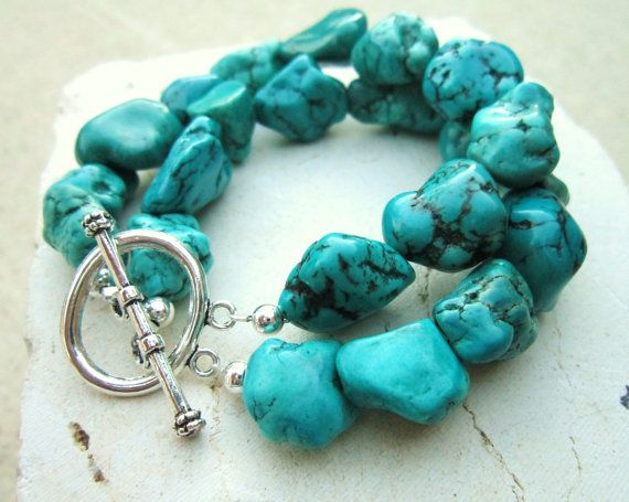 chunky turquoise bracelet. green howlite nugget bracelet. double strand  toggle bracelet. turquoise jewelry hlluzhq