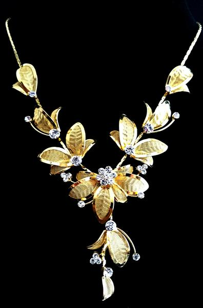 clear crystal gold plated flower necklace - the bead factory kxksgoy