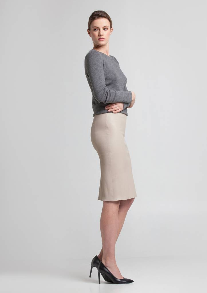 Leather Pencil Skirt: Versatile, Lasting and Fashionable