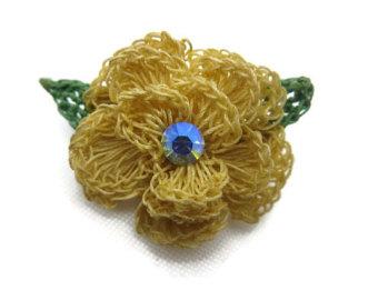 crochet flower brooch - ab rhinestone costume jewelry hktmidr