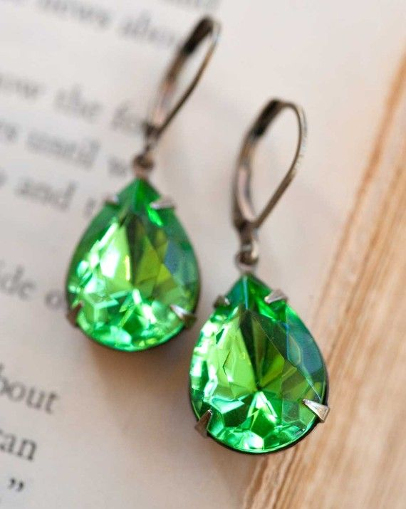 Why you will love green earrings