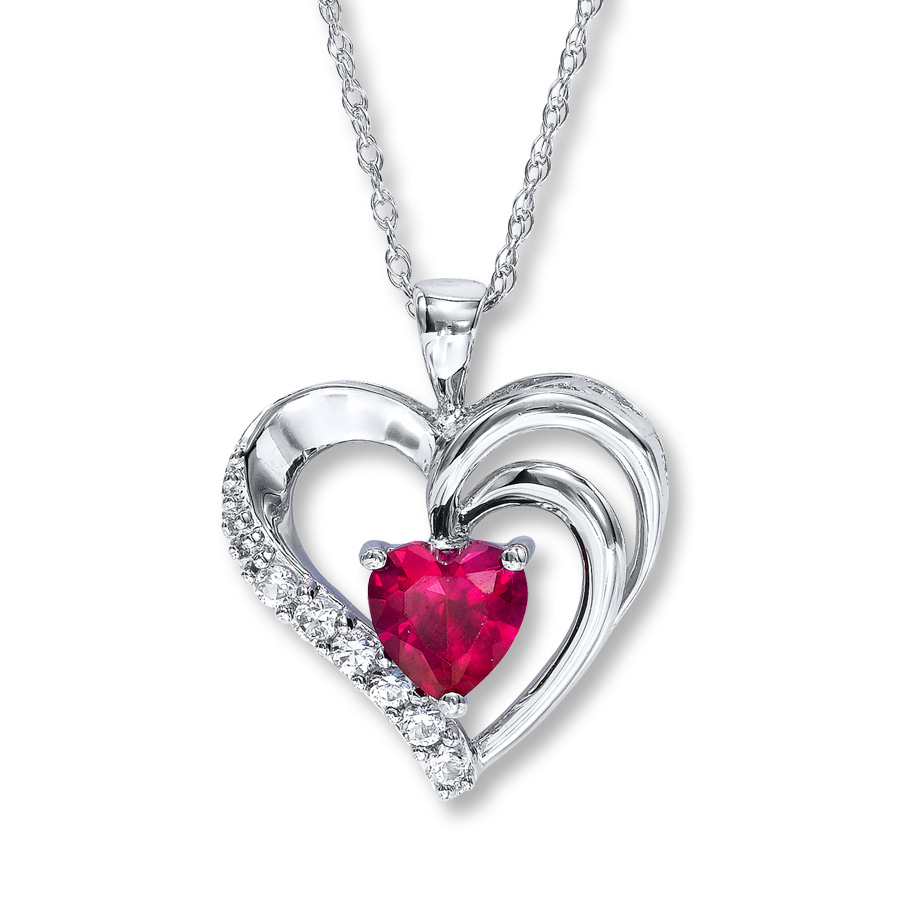 heart necklace hover to zoom utzavzx