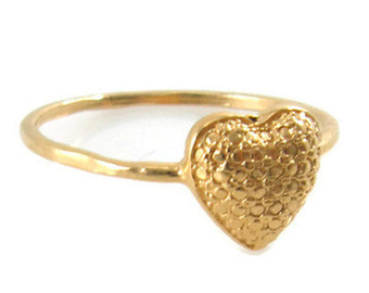 heart ring. gold heart ring. dainty ring. gold dainty ring. heart jewelry fifikam