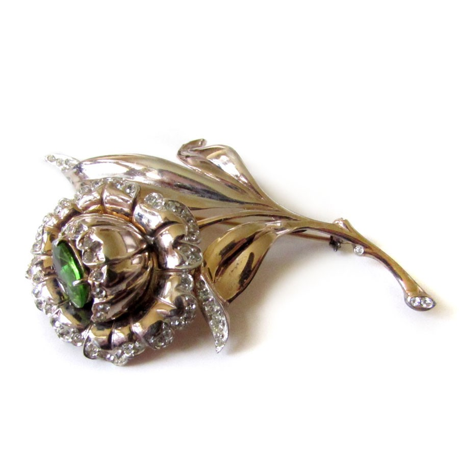 What Differs A Flower Brooch From Others