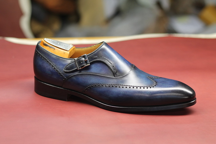 Maximizing the magnanni shoes look