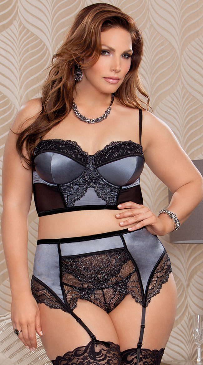plus size romantic high waisted lace bra set, plus size bra set, plus size ogmqgga