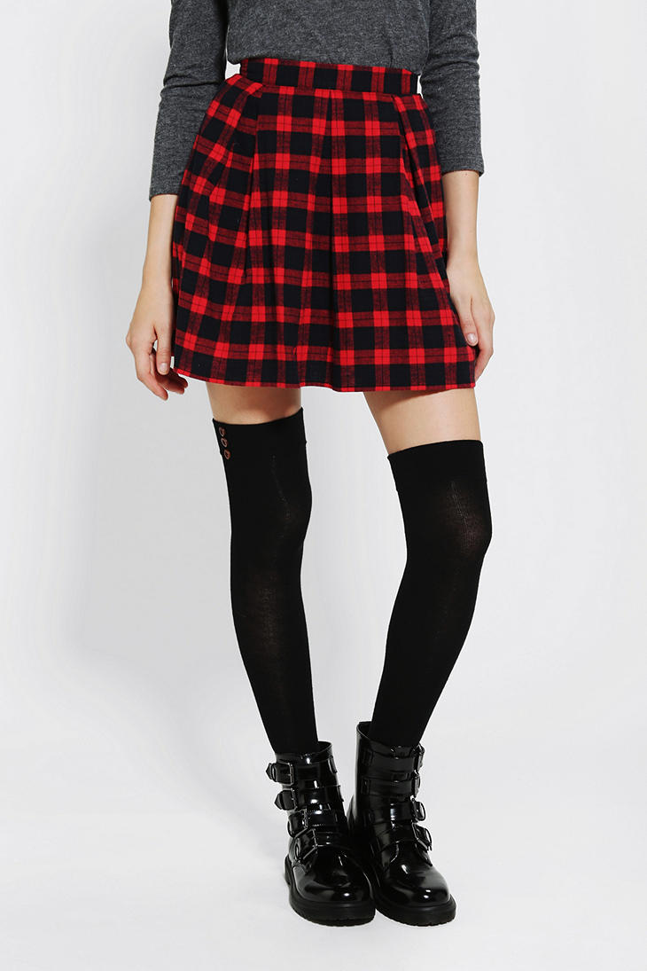 Be Chic in red plaid skirt