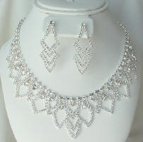 rhinestone necklace set / swarovski crystals zniostg