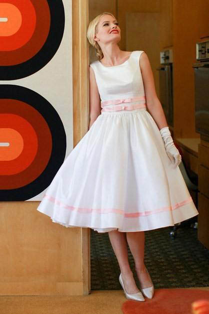 Get rockabilly wedding dress to highlight the Occasion