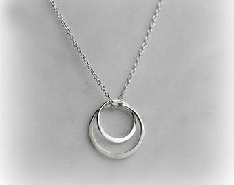silver circles necklace, double circle necklace, sterling silver necklace,  everyday necklace, gift qwinfqe