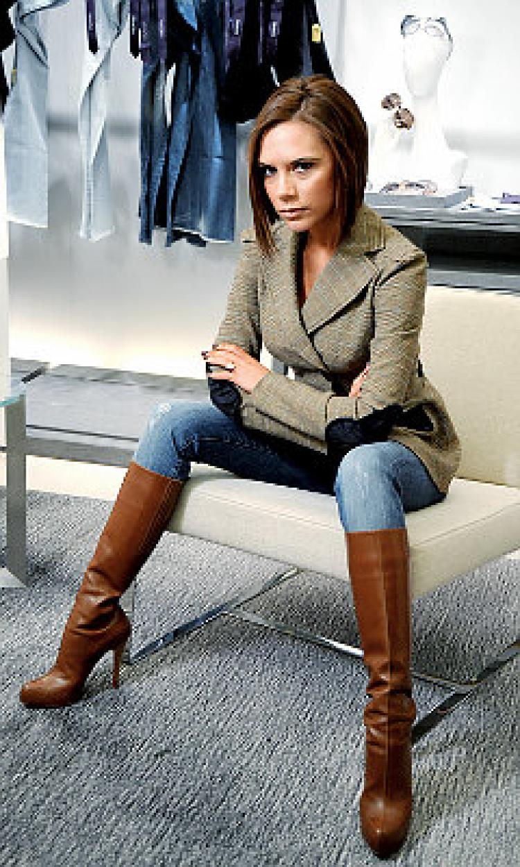 victoria beckham jeans a pending lawsuit and slumping sales are giving victoria beckham the denim  blues. olamppe