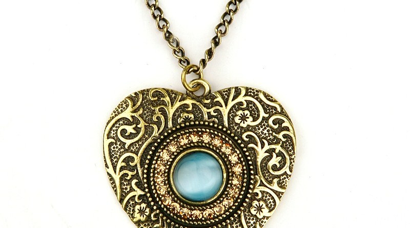 vintage necklaces vintage necklace and pendant buying guide qupzfmv