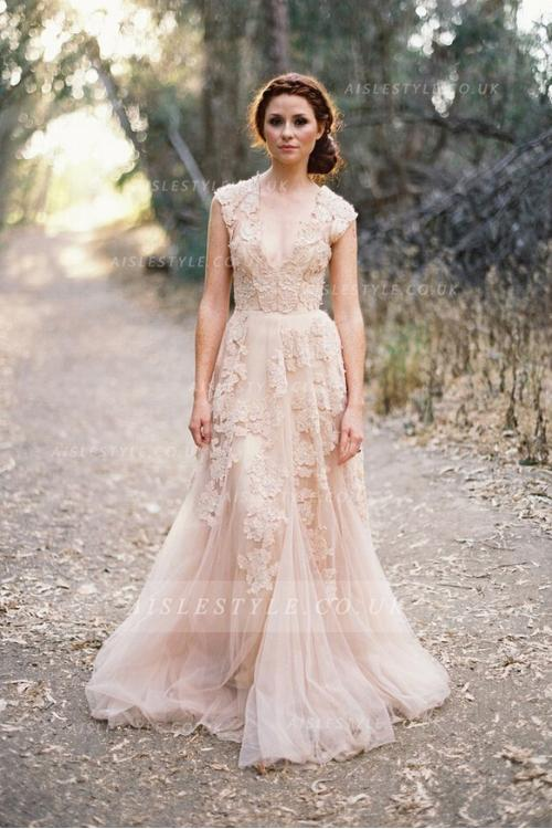 No more stress for buying vintage wedding dresses