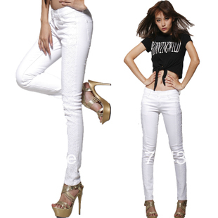 white pants for women are a great accessory that can be utilized for every duautzt