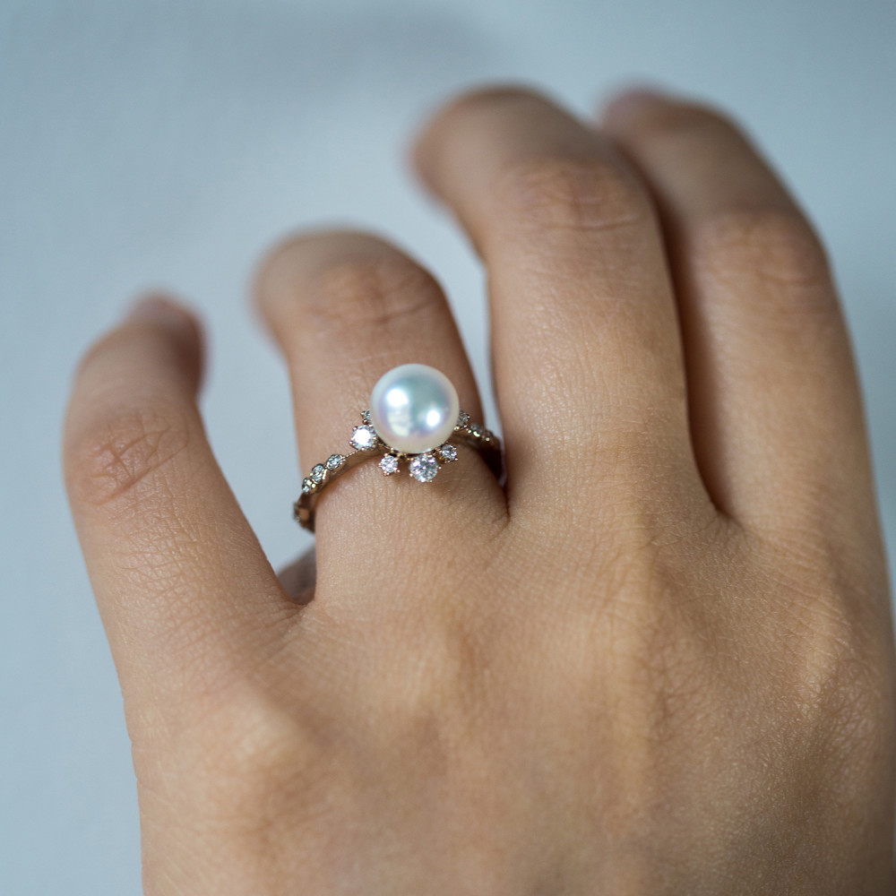 winter pearl ring. kataoka ywuneba